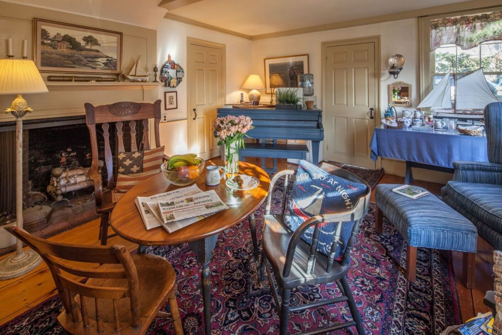 meeting place and breakfast room